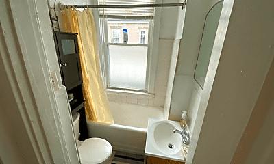 Bathroom, 3178 Madison Rd, 2