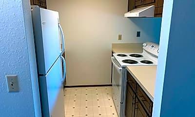 Kitchen, 1630 Lincoln St, 1
