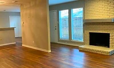Living Room, 3421 Bristol Rd, 1