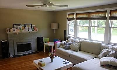 Living Room, 138 Forest St, 1