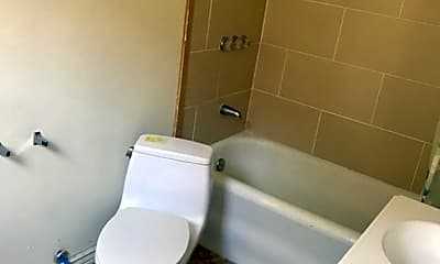 Bathroom, 119 Murray St, 2