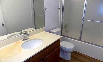 Bathroom, 732 W 7th St, 2