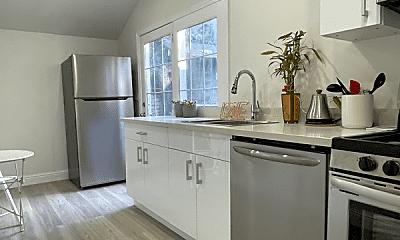 Kitchen, 476 Arleta Ave, 1