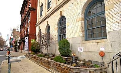 Building, 225 Arch St, 1