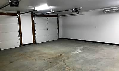Living Room, 2031 Aaron Ave, 2