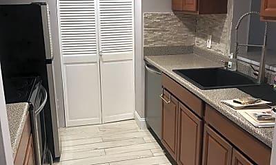 Kitchen, 36 Greentree Ln, 2