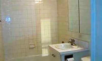 Bathroom, 359 W 34th St, 2