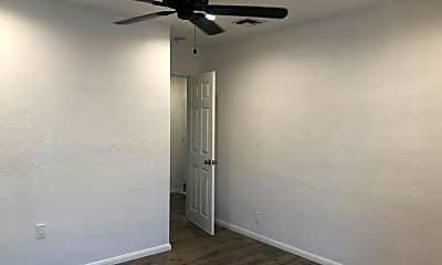 Bedroom, 410 N Frederic St 1, 2