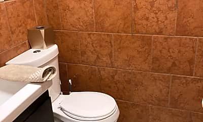 Bathroom, 59 Boulder St, 1