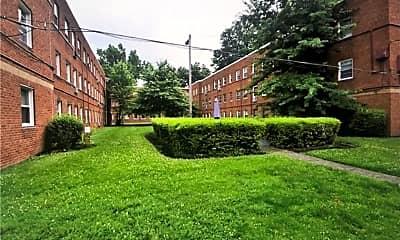 Building, 13833 Cedar Rd 206, 2