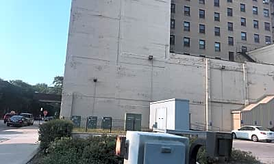 Piccadilly Apartments, 2