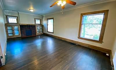 Living Room, 2084 Waldeck Ave, 1