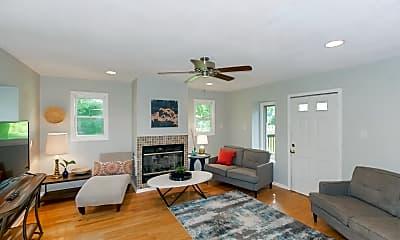 Living Room, 1109 NE Noeleen Ct, 1