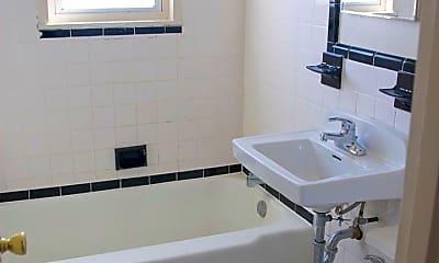 Bathroom, 4703 20th Rd N, 2