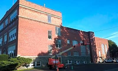 Building, 15 W Main St, 2