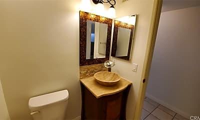 Bathroom, 16019 Canyon Creek Rd, 2