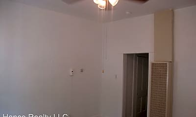 Bathroom, 136 E Dullnig Ct, 2
