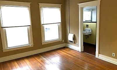 Living Room, 207 1/2 E Locust St, 1