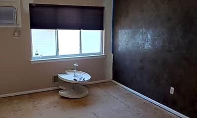 Living Room, 66 Dexter Ave, 2
