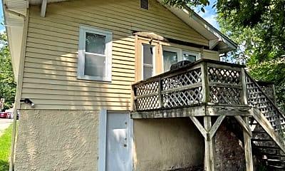 Patio / Deck, 3113 E Washington Ave, 1