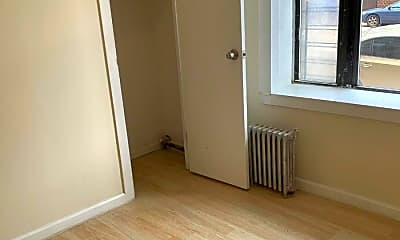 Bedroom, 1010 E Tremont Ave, 2