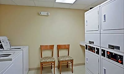 Candlewood Suites, 2