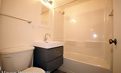 Bathroom, 2437 NW 57th St, 2