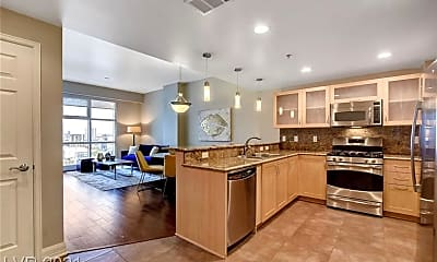 Kitchen, 150 Las Vegas Blvd N 1811, 1
