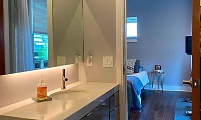 Bathroom, The Marion, 2
