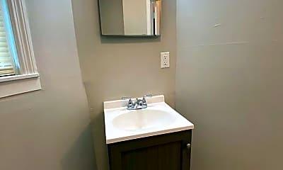 Bathroom, 104 S 17th St, 2