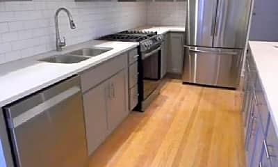 Kitchen, 1336 N Austin Blvd, 2