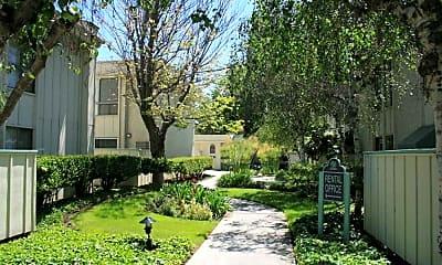 Landscaping, Woodcreek Apartments, 0