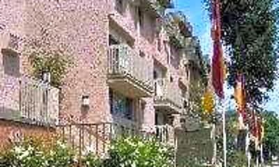 Belamar Apartments, 1