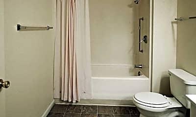 Bathroom, Windcreek Apartments, 2