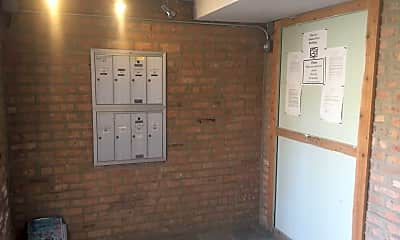 Building, 1608 N Luna Ave, 1