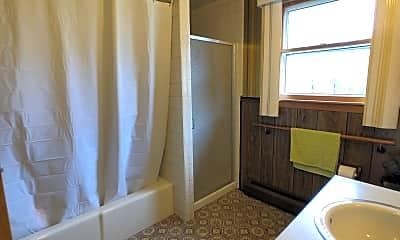 Bathroom, 17 Whippoorwill Cir, 2