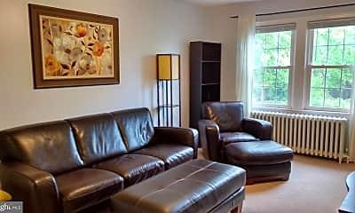 Living Room, 702 22nd St S 2, 1