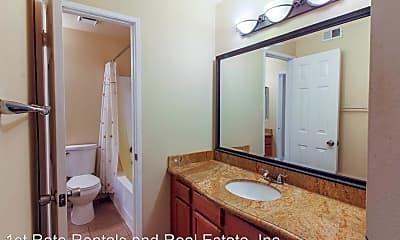 Bathroom, 1132 W Blaine St, 2