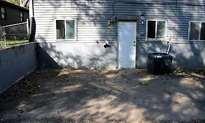 Building, 667 Santa Fe, 1