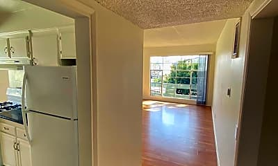 Bathroom, 3332 Mentone Ave, 1