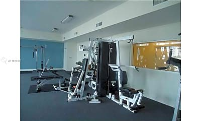 Fitness Weight Room, 601 NE 23rd St 505, 2