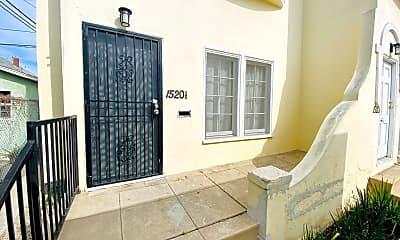 Patio / Deck, 1520 Menlo Ave, 2