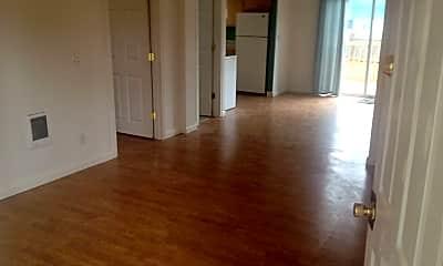 Living Room, 7937 N Fessenden St, 1