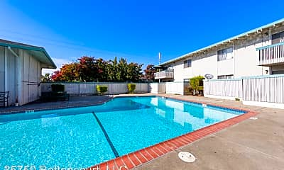 Pool, 35750 Bettencourt St, 2