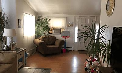 Living Room, 206 Lyons Ct, 2