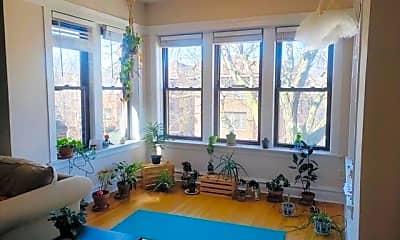 Living Room, 5527 N Glenwood Ave 3, 1