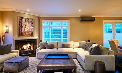 Living Room, 922 E Cooper Ave, 1