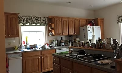 Kitchen, 7256 Greenwich Rd B, 2