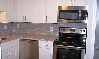 Kitchen, 449 W Jefferson Ave, 1