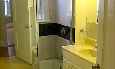 Bathroom, 103 Browne St, 2